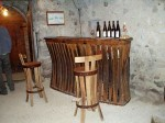"""Comptoir de bar et chaise de bar """"brut de fut""""Domaine Girard Madoux Jean Charles73800 CHIGNIN"""