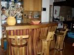 """Comptoir de bar et chaise de bar """"brut de fut """" et """"tastevin"""""""