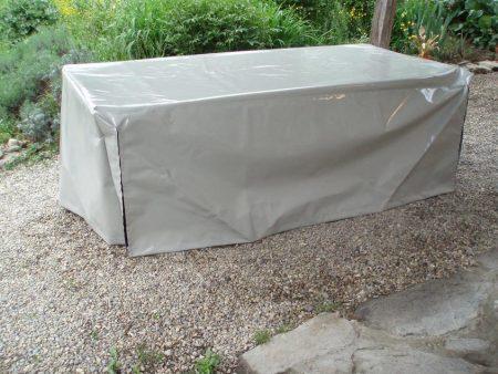 Bâche de protection pour table et bancs «Romana» – fermée
