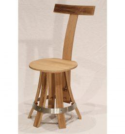 Chaise de table en chêne recyclé.